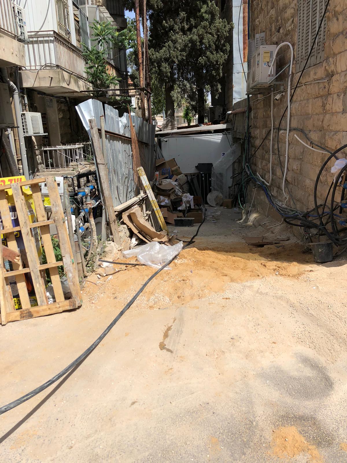 פתיחת סתימה ללקוח פרטי בשכונת מאה שערים בירושלים.