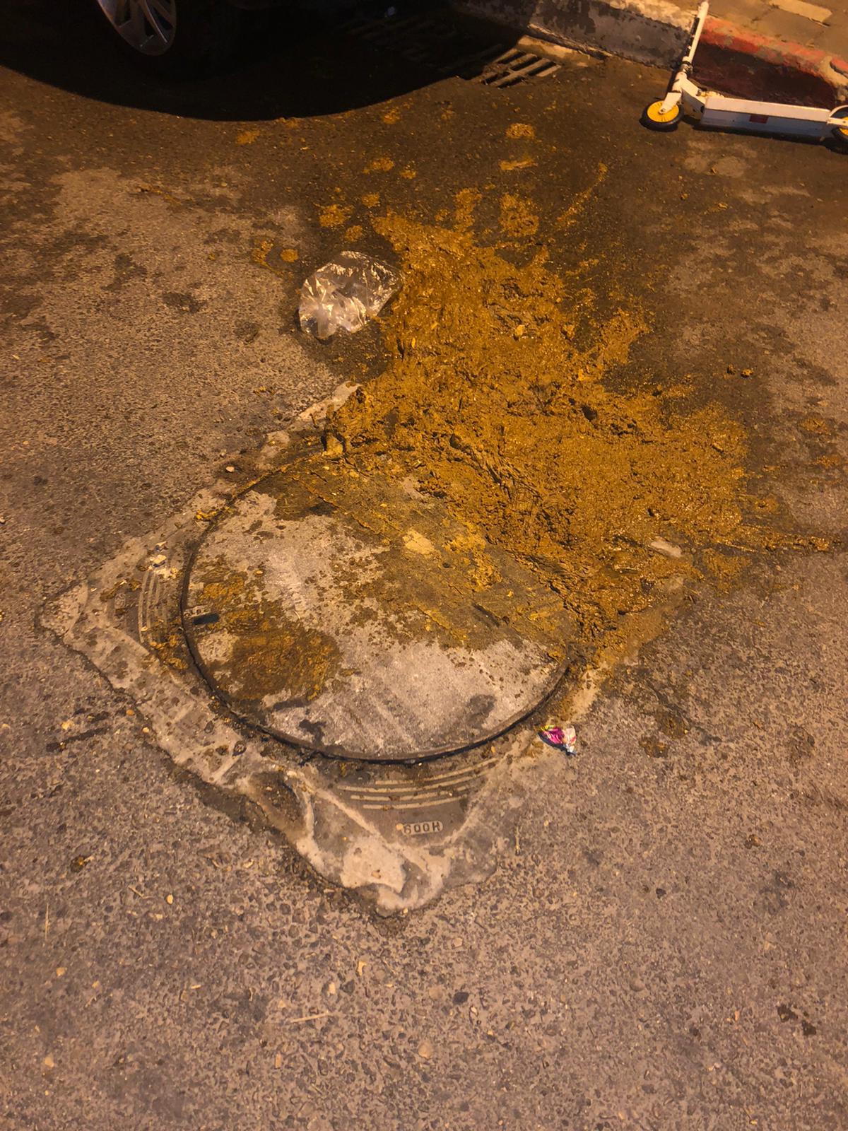פתיחת סתימה ושטיפת קו ראשי ברחוב שני במודיעין מכבים רעות.